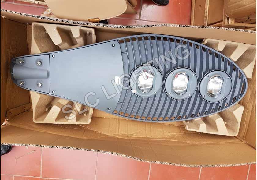 ĐÈN ĐƯỜNG LED CAP ÁP SLC - DL18 150W