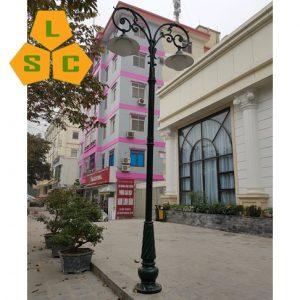 Cột đèn sân vườn Banian (DC07) + chùm CH09-2 bóng