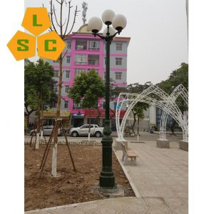 Cột đèn sân vườn DC05B + Chùm CH07-4
