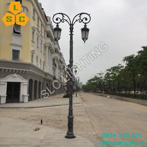 Cột trụ đèn trang trí sân vườn Novo