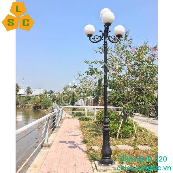 Cột đèn sân vườn DC06 chùm CH02 4 bóng càu D400
