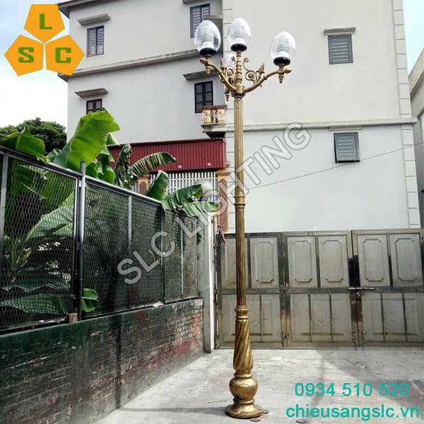 Cot den san vuon DC07 Banian chum CH11-4