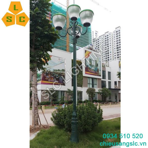 Cột đèn sân vườn DC06 chùm CH08-4 lắp đèn Tuy Lip