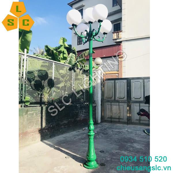 Cột đèn sân vườn DC06 chùm hoa lá 5 bóng đèn cầu